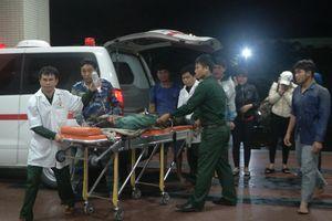 Tiếp nhận ngư dân gặp nạn từ tàu Cảnh sát Biển