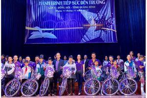 Doanh nhân Nguyễn Mạnh Hà trao gần 1 tỷ đồng cho trẻ em nghèo tỉnh Quảng Bình