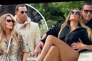 Jennifer Lopez trẻ trung gợi cảm bên hôn phu kém 6 tuổi