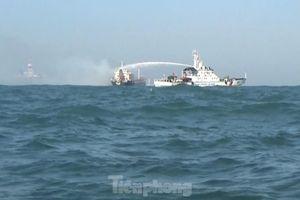 Cảnh sát biển Việt Nam cứu tàu nước ngoài bị cháy