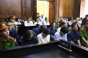 Ba cha con cùng hầu tòa vì giúp sức cho 'đại gia' Hứa Thị Phấn rút ruột tiền Trustbank