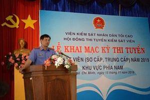667 ứng viên tham gia Kỳ thi tuyển Kiểm sát viên khu vực phía Nam