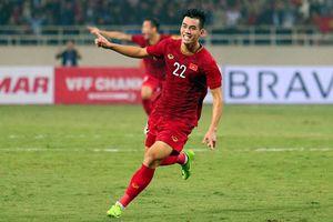 Việt Nam là 1 trong 5 đội lập hat-trick thắng, Trung Quốc và Iran mơ vé vớt