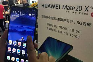 Smartphone gập Mate X của Huawei 'cháy hàng' trong ngày mở bán