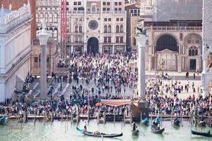 Italy: Thu phí tham quan du khách đến Venice
