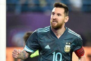 Messi ghi bàn sau án treo giò giúp Argentina thắng Brazil