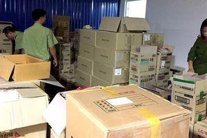 Hà Nội: Tạm giữ hàng tấn hàng mang chữ Hàn Quốc không rõ nguồn gốc