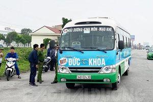 Tài xế xe buýt chết bất thường bên ghế lái