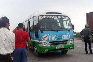 Tài xế tử vong trong cabin xe buýt ở Hải Dương