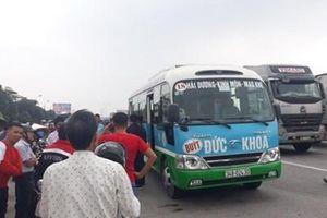Tá hỏa phát hiện tài xế xe buýt ở Hải Dương chết trên ghế lái