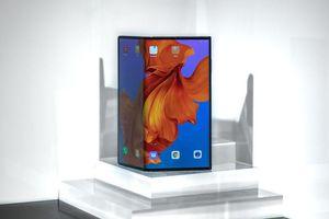 Huawei Mate X 5G cháy hàng chỉ trong 1 phút ở lần đầu mở bán