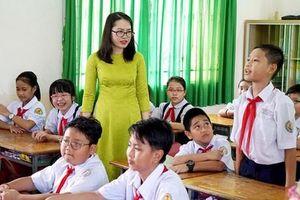 Hà Nội tạm dừng thi viên chức để tuyển đặc cách giáo viên hợp đồng