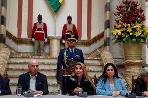 Chính phủ lâm thời Bolivia trục xuất quan chức Venezuela và Cuba