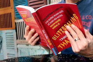 Cuốn sách được Bill Gates viết lời tựa, Giám đốc Facebook khuyên đọc