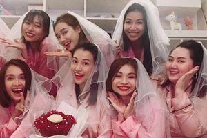 Hoàng Oanh xinh đẹp bên Nhã Phương, Ái Phương vui 'hết nấc' tiệc độc thân trước thềm hôn lễ
