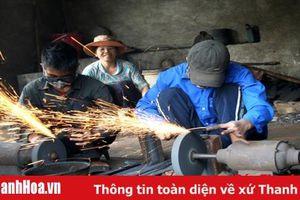 Quan tâm phát triển thương mại, dịch vụ làng nghề truyền thống