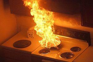 Cháy nhà do sự cố hở dây dẫn bình ga ở Yên Bái