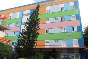 Nữ điều dưỡng bị người nhà bệnh nhi đánh phải nhập viện