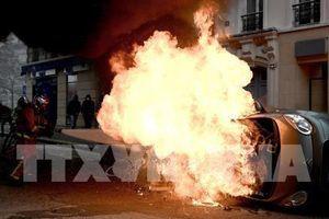 Pháp: Áo vàng xuống đường, bạo lực lại tái diễn