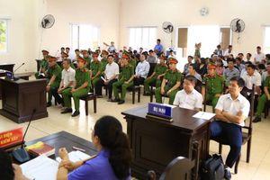 Hôm nay (18/11), dự kiến xử lại vụ nguyên Bí thư Thị ủy Bến Cát: Luật sư đề nghị tạm đình chỉ vụ án, cho ông Khanh tại ngoại