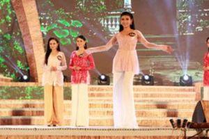2.000 người mặc áo bà ba xác lập kỷ lục Việt Nam