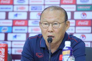 HLV Park Hang Seo trả lời họp báo trước đại chiến với tuyển Thái Lan