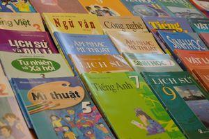 Sách giáo khoa mới, Nhà xuất bản nào sẽ chiến thắng?