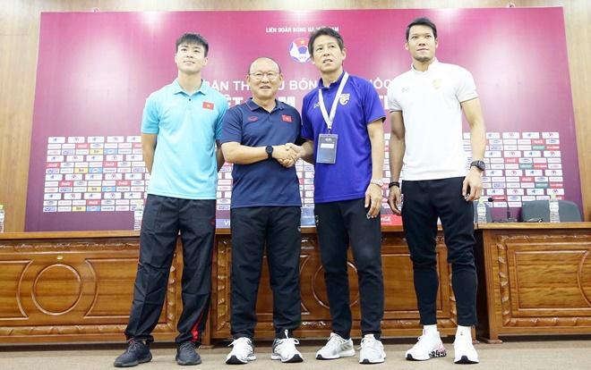 HLV Park tin Công Phượng ghi bàn trước Thái Lan: Phòng họp báo phản ứng bất ngờ