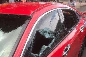 Đắk Lắk: Khởi tố sư thầy đập vỡ kính ô tô khi tham gia giao thông