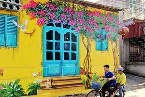 'Lịm tim' với những bức bích họa đầy màu sắc ở Chử Xá