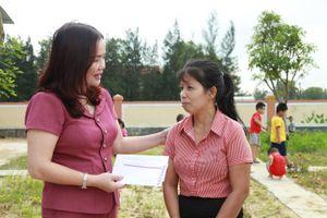 Ngày nhà giáo, ngành Giáo dục Quảng Trị tri ân đồng nghiệp, tặng quà học sinh