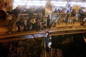 Sinh viên Hồng Kông nhảy cầu phá vây, Mỹ kêu gọi Trung Quốc tôn trọng lời hứa
