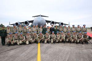 Lễ tiễn cán bộ bệnh viện dã chiến cấp 2 số 2 lên đường sang Nam Sudan
