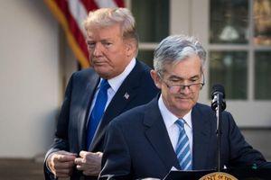 Ông Trump và Chủ tịch Fed đưa ra phát ngôn mâu thuẫn sau cuộc họp bất thường
