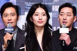 Cách biệt 16 tuổi, 'vợ chồng' Suzy - Ha Jung Woo vẫn đẹp đôi tại họp báo 'Baekdu Mountain'