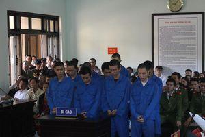 Hơn 137 năm tù cho nhóm côn đồ trút 'mưa dao' gây án