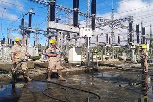 PC Sơn La: Tập huấn, đào tạo vận hành máy rửa cách điện trên đường dây và trạm biến áp