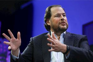 CEO Salesforce: Không còn dùng máy tính, nhiều năm nay chỉ điều hành công việc bằng iPhone