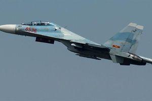 Su-30 bay huấn luyện ở Bình Phước, tạo tiếng nổ lớn