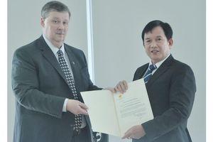 Tân Tổng Lãnh sự Liên bang Nga trao giấy chấp nhận Lãnh sự tại Đà Nẵng