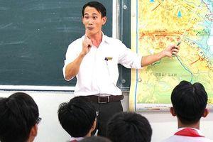Bài 3 - Giáo viên trung học cơ sở: Những người 'lái đò' tận tụy