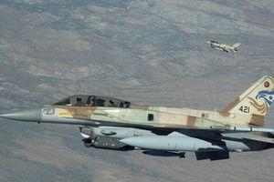 Israel bất ngờ mở đợt không kích dữ dội nhằm vào Syria