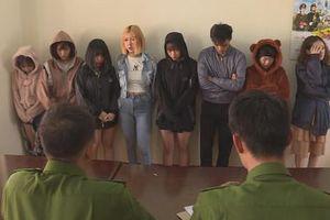'Bay lắc' ăn mừng sinh nhật tại quán karaoke, 'nam thanh nữ tú' bị công an bắt giữ