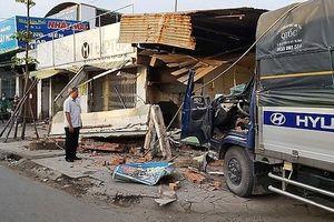 Xe tải tông sập quán phở, một người tử vong