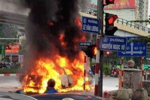 Người phụ nữ lái xe Mercedes đâm chết cô gái trên đường Lê Văn Lương