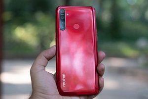 Trên tay Realme 5s vừa ra mắt, giá hơn 3 triệu