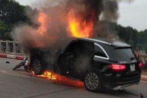 Hé lộ nguyên nhân ban đầu vụ xe Mercedes cháy rực kèm tiếng nổ lớn làm 1 người chết