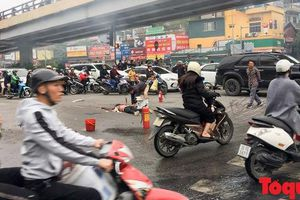 Công an Cầu Giấy thông báo tìm người nhà nạn nhân vụ xe Mercedes bốc cháy ngày 20/11