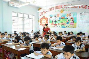 Không có chuyện lương giáo viên sẽ giảm