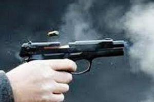 Một thanh niên bị bắn tại nhà